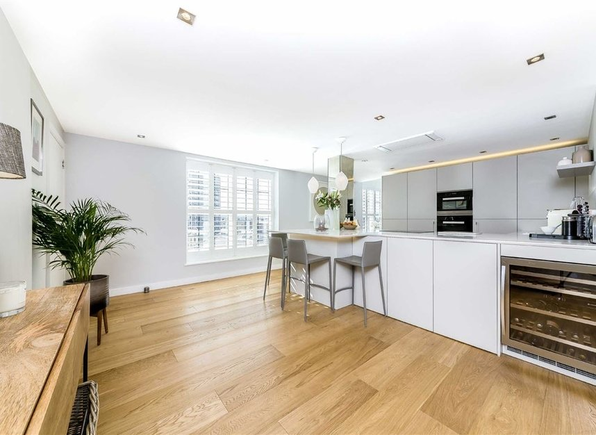 Properties for sale in York Road - SW11 3RS view8