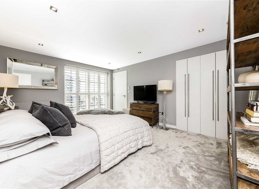 Properties for sale in York Road - SW11 3RS view16