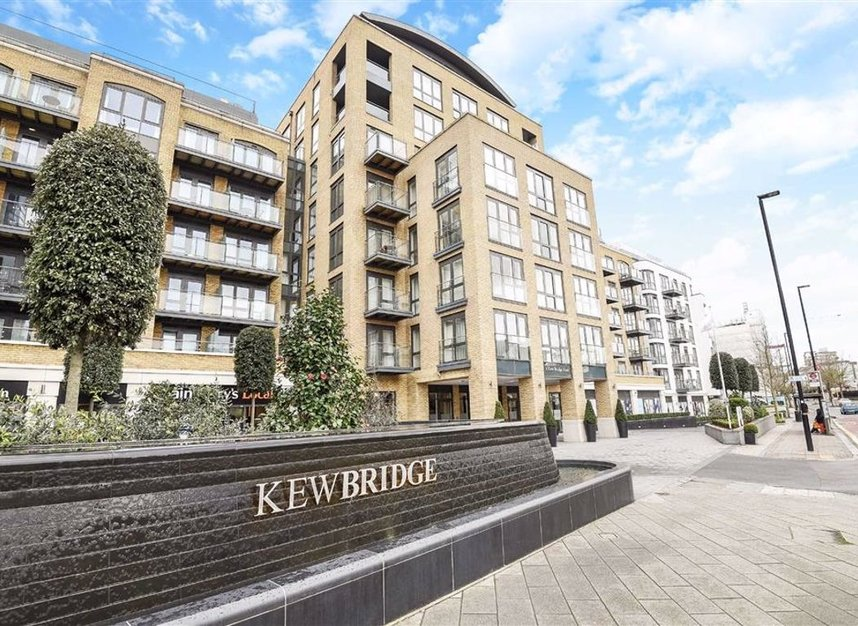 Properties let in 8 Kew Bridge Road - TW8 0FD view1
