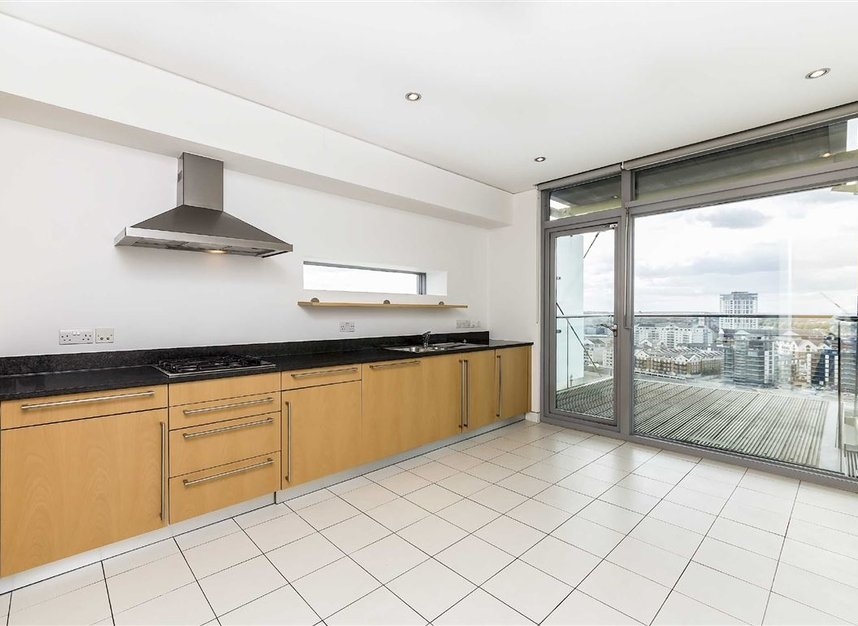 Properties to let in Battersea Church Road - SW11 3YL view7