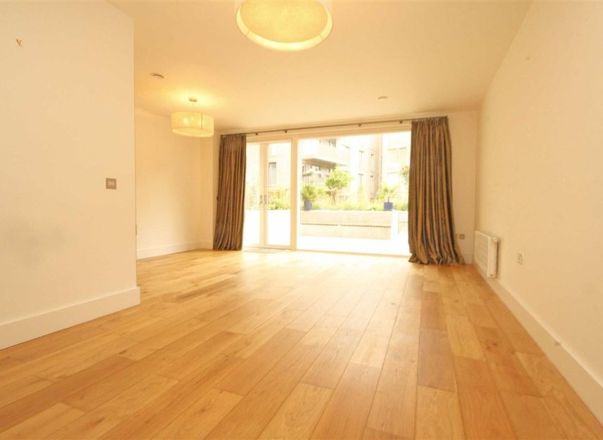 Properties to let in Boaters Avenue - TW8 8FG view2