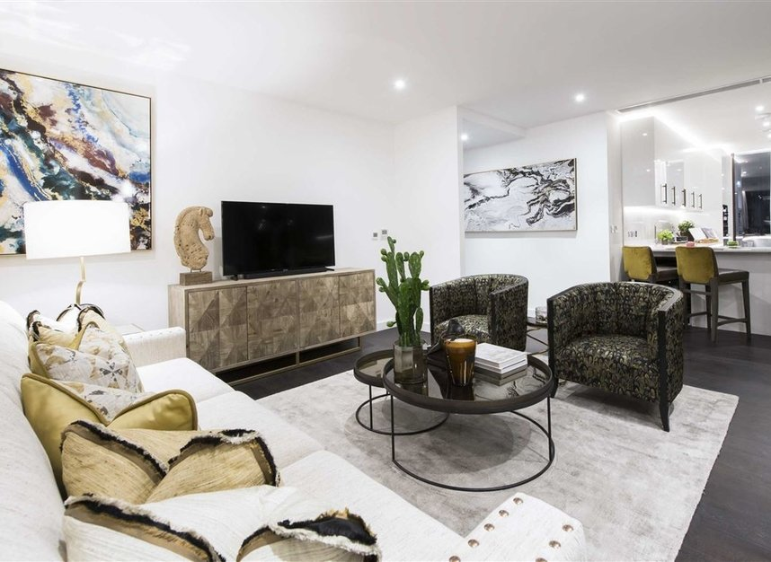 Properties to let in Charles Clowes Walk - SW11 7AG view3
