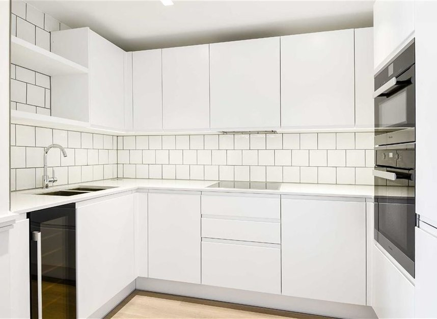 Properties let in Crisp Road - W6 9PF view4