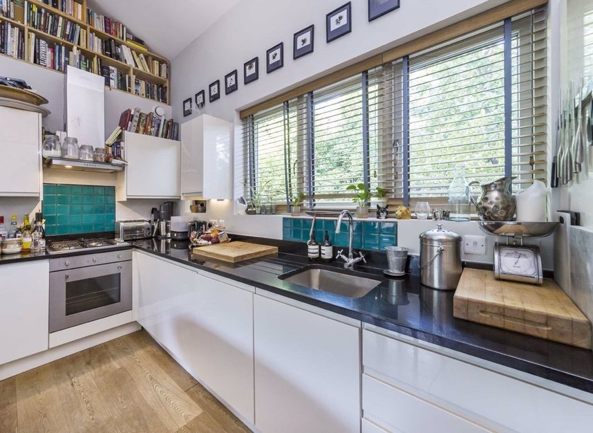 Properties to let in Greenwood Road - E8 1NT view4