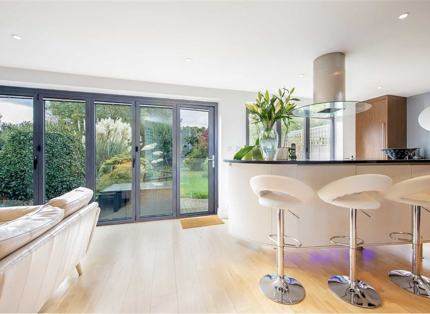 Properties to let in Hartington Road - W4 3TS view5