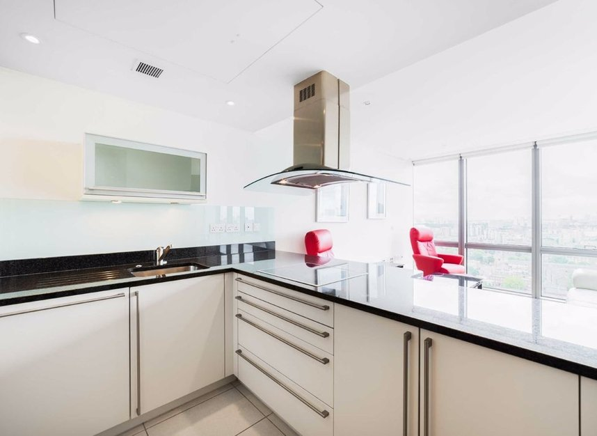 Properties to let in Hertsmere Road - E14 4EF view4