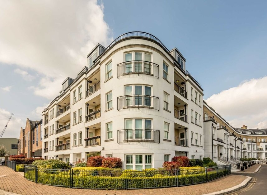 Properties to let in Imperial Crescent - SW6 2QW view10