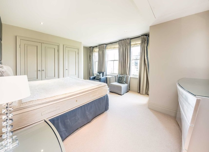 Properties to let in Imperial Crescent - SW6 2QW view6