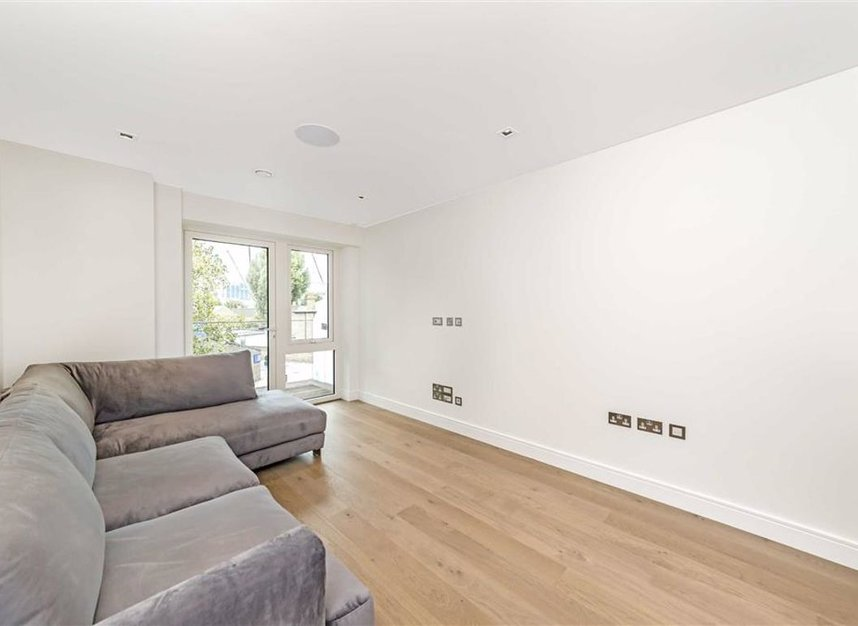 Properties to let in Kew Bridge Road - TW8 0HT view2