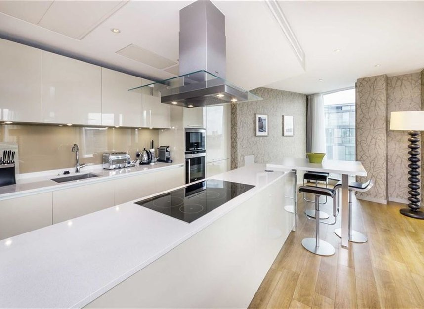 Properties to let in Lower Thames Street - EC3R 6AG view5