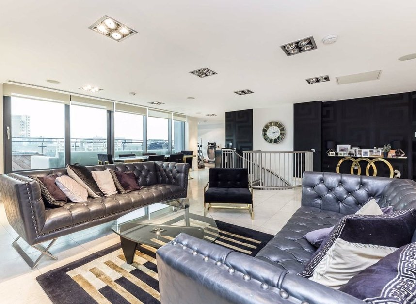 Properties to let in Millharbour - E14 9NB view4