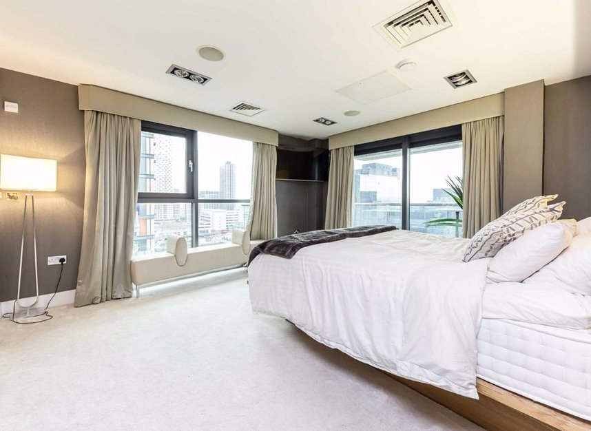 Properties to let in Millharbour - E14 9NB view10