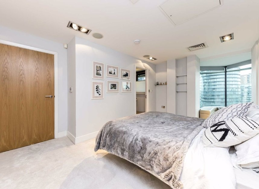 Properties to let in Millharbour - E14 9NB view7