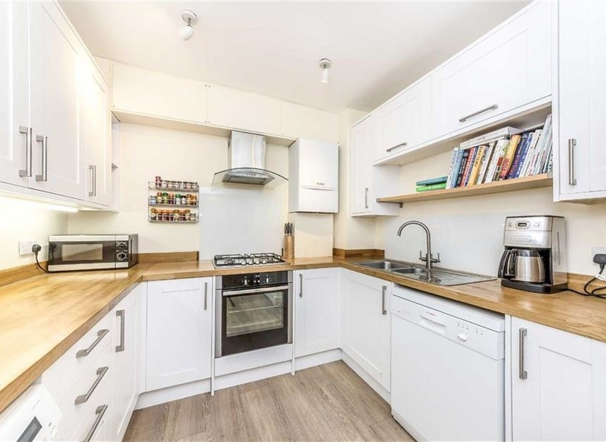Properties to let in Mortlake High Street - SW14 8SW view3