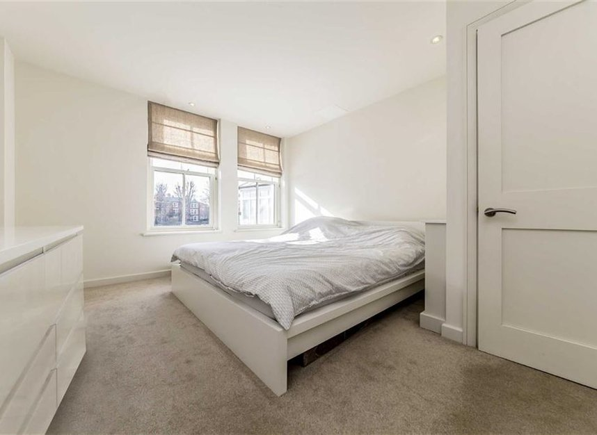 Properties let in Petersham Road - TW10 6UT view5