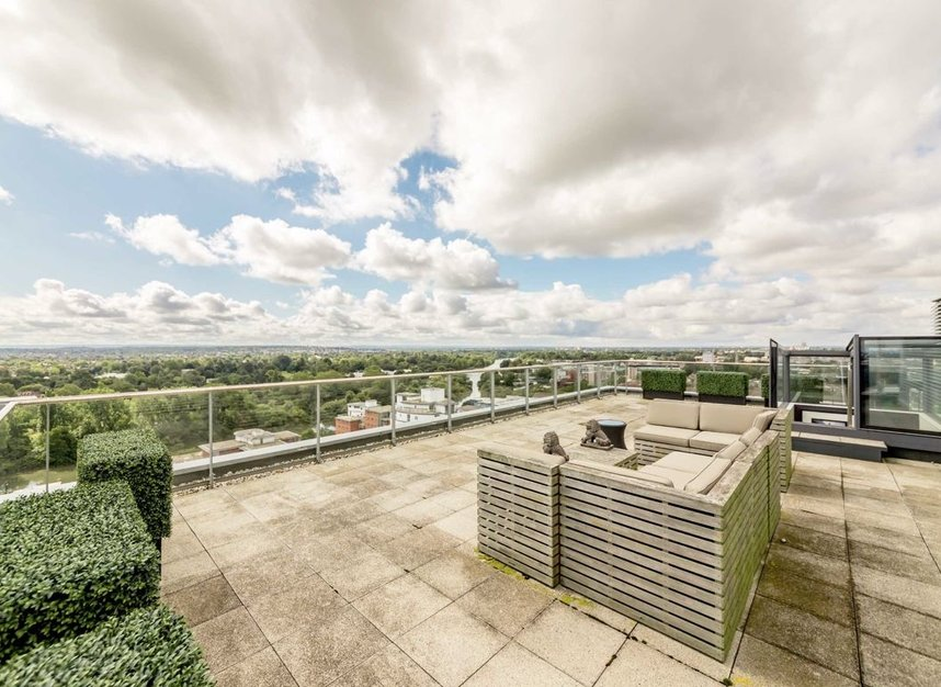 Properties to let in Pump House Crescent - TW8 0FZ view6