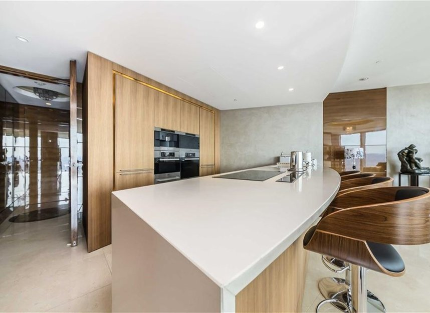 Properties to let in St. George Wharf - SW8 2BW view4