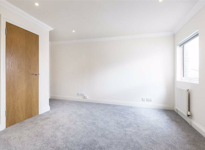 Properties let in St. Katharines Way - E1W 1UJ view5