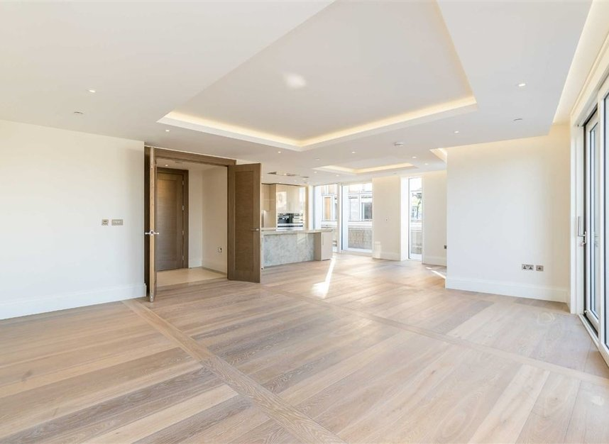 Properties to let in Strand - WC2R 1AB view4