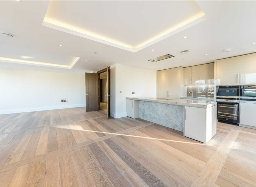Properties to let in Strand - WC2R 1AB view3