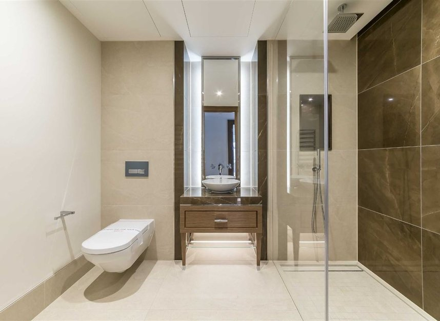 Properties to let in Strand - WC2R 1AB view10