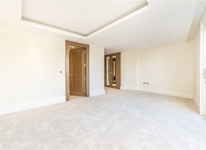 Properties to let in Strand - WC2R 1AB view7