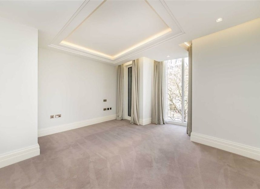 Properties to let in Strand - WC2R 1AB view9