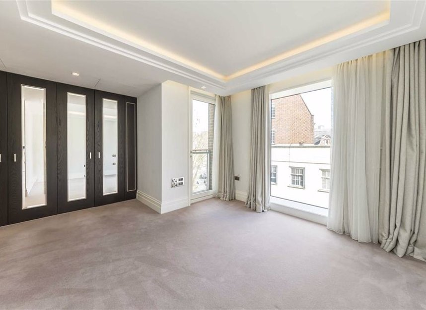 Properties to let in Strand - WC2R 1AB view6