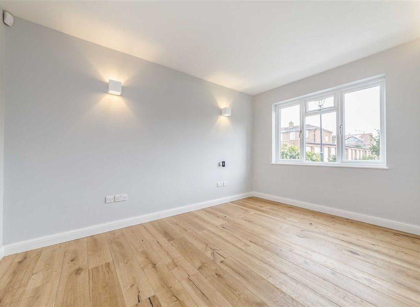 Properties let in Thames Village - W4 3UF view4