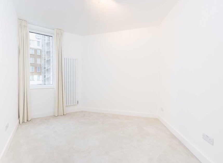 Properties to let in The Quadrangle - SW10 0UG view5