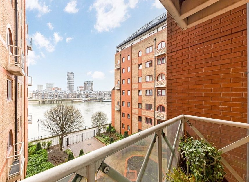 Properties to let in William Morris Way - SW6 2UX view1