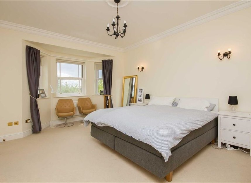 Properties to let in Wyatt Drive - SW13 8AB view6