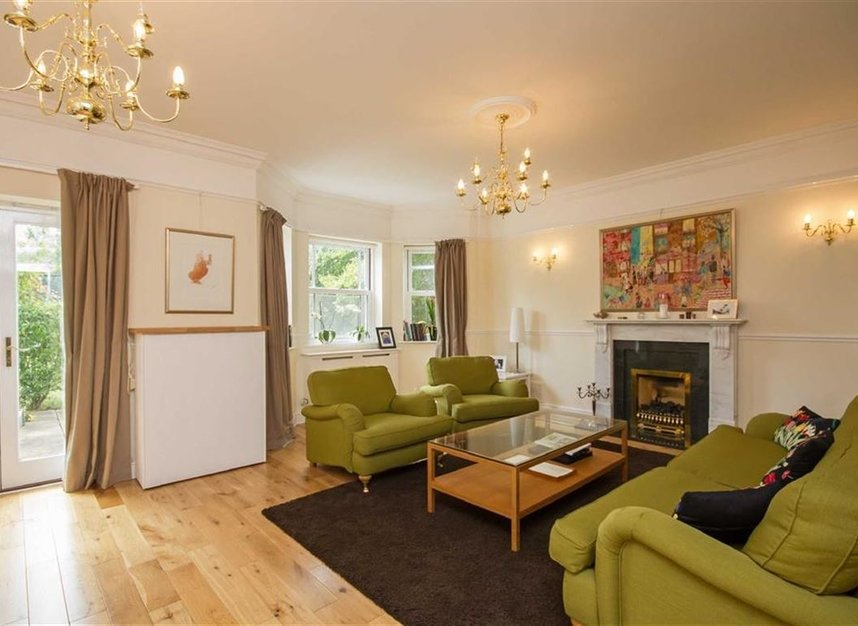 Properties to let in Wyatt Drive - SW13 8AB view2