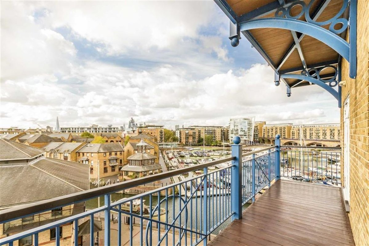 Flat For Sale In Victory Place, London, E14